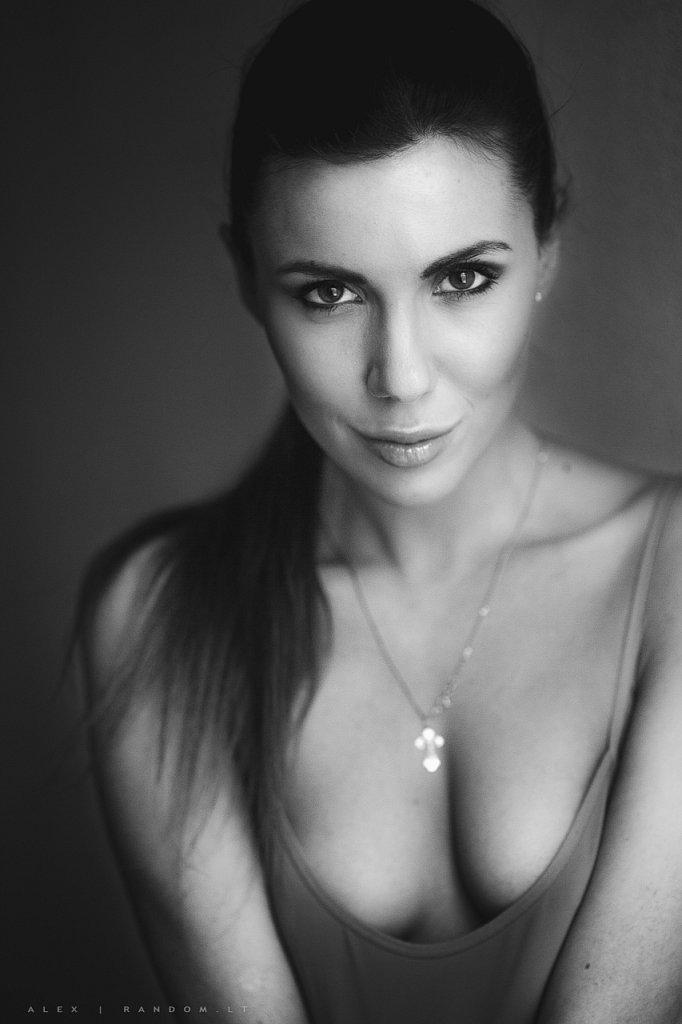 sensual   2015  apartamentuose  asmeninė fotosesija  boudoir  erotinė fotosesija  fotografas  fotosesija  girl  glamour  intymi  juodai balta  mergina  namuose  natūrali šviesa  sensual  vilnius  woman  by RANDOM.LT