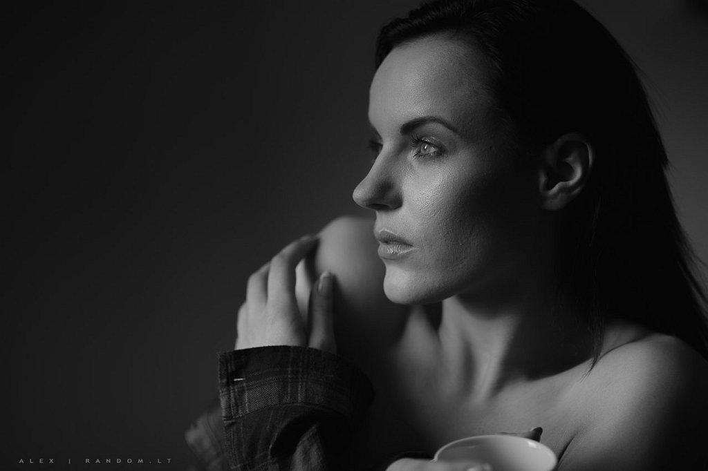 Migle asmeninė fotosesija boudoir namuose sensual  by RANDOM.LT