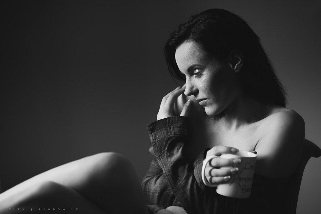 Miglė asmeninė fotosesija boudoir namuose sensual  by RANDOM.LT