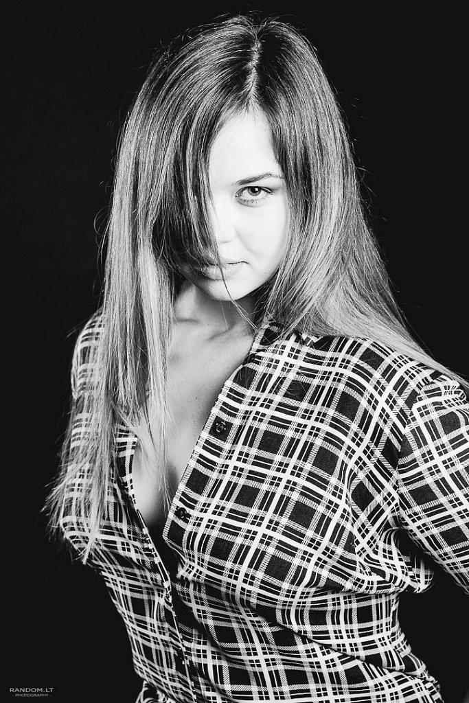 asmeninė fotosesija mergina sensual studija woman  by RANDOM.LT