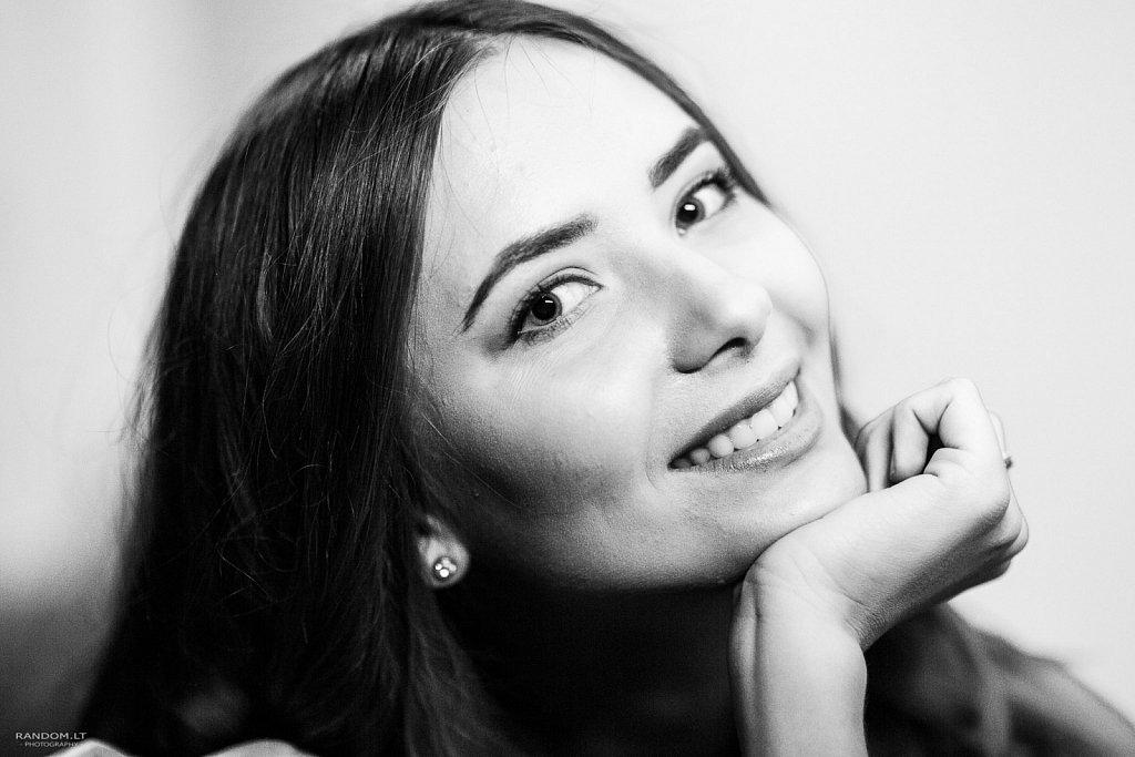 2017  asmeninė fotosesija  girl  mergina  namuose  vilnius  woman  by RANDOM.LT