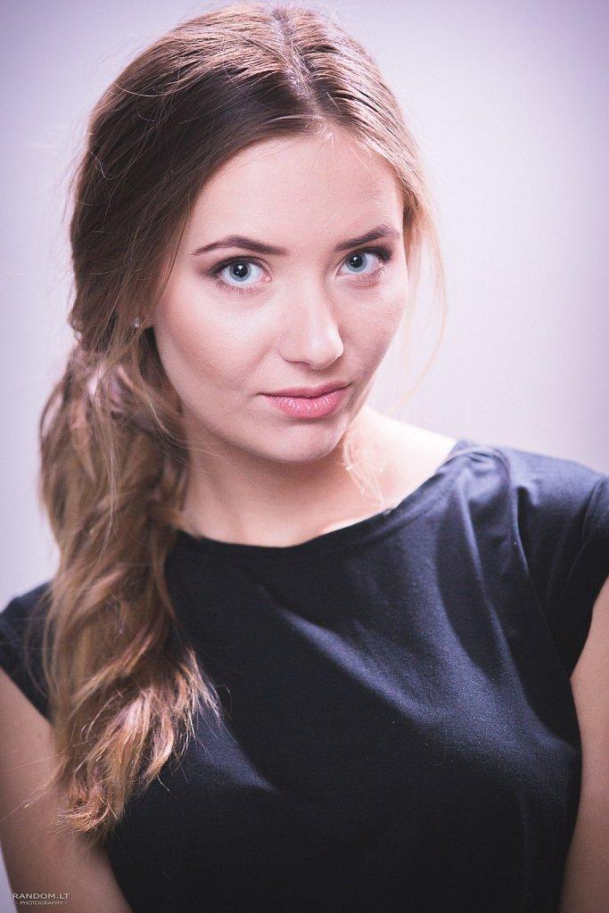 Ligita   2017  asmeninė fotosesija  girl  mergina  namuose  vilnius  woman  by RANDOM.LT