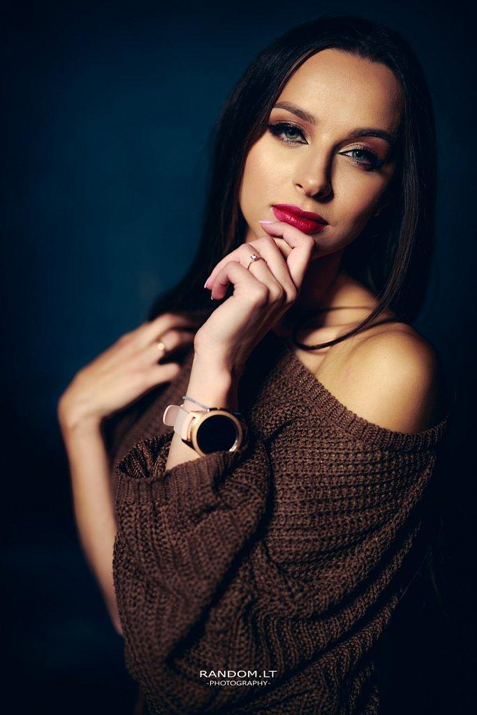 B  2019  girl  studio  vilnius  woman  portretas  by RANDOM.LT